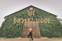 ชั่วโมงนี้คงไม่มีคาเฟ่ไหนฮอตไปกว่านี้แล้ว The Birders Lodge Cafe & Grill