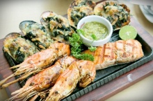 มอส-จอย-พลอย ชวนคนรักสเต็ก ชิมเมนูเด็ด By Jeffer Steak&Seafood